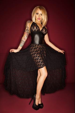 Спиръща дъха дълга дантелена рокля на Noir Handmade