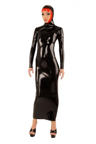 Впечатляваща много дълга рокля от Латекс със качулка
