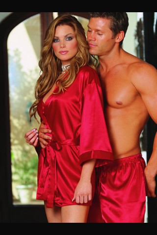 Сатенен ярко червен къс халат - Version Touch